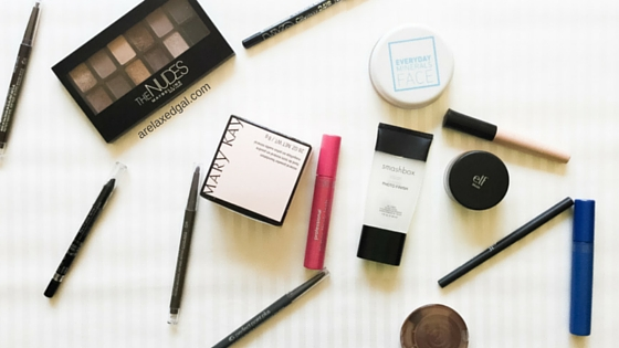 Despite being in my 30s, makeup is something that is still a bit of a mystery to me. I wear it everyday when I go out and about, but haven't mastered any looks outside of the natural, everyday look and dramatic eyes for parties and special occasions. With that being said, you may be surprised with how much makeup is in my makeup bag. | arelaxedgal.com