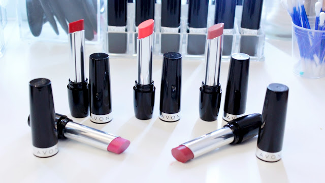 labial true color avon