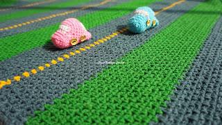 fun play crochet blanket for boys, free crochet baby blanket pattern, free crochet car stuff toy pattern