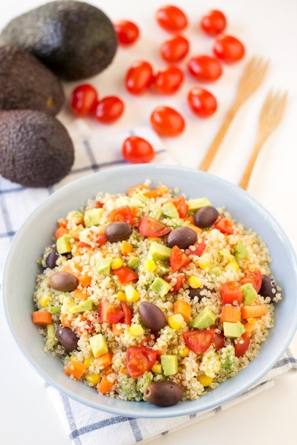 Ensalada De Quinoa Con Aceitunas Y Aguacate
