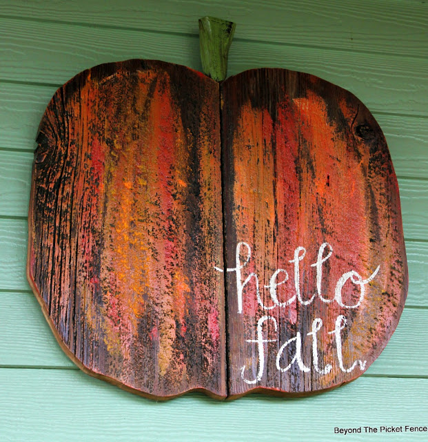pumpkin sign, reclaimed wood, hello fall, fall decor, http://goo.gl/RHR2Yq