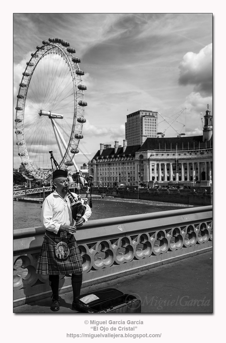 Aires de Escocia en Westminster Bridge, Londres