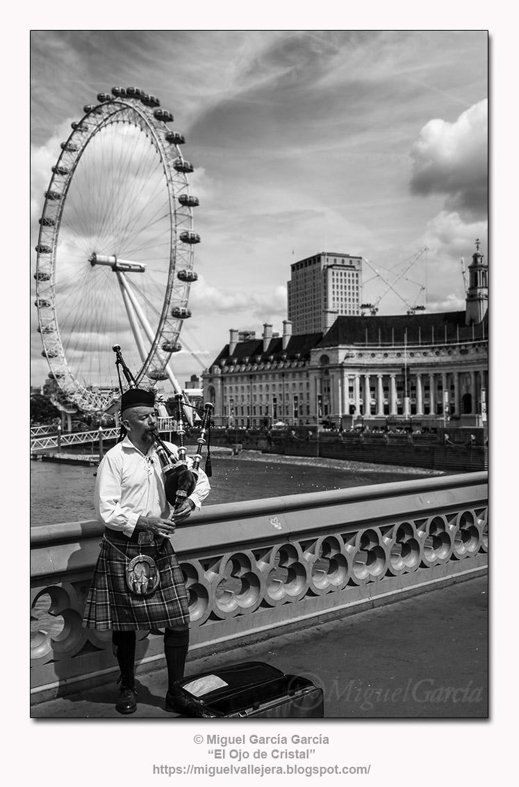 Aires de Escocia en Westminster Bridge, Londres