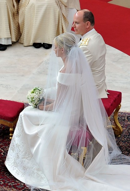 Anchoring The Veil Was Not A Tiara As I Had Hoped But Diamond Hair Ornament That Is 19th Century Piece Inherited From Princess Charlotte Grandmother To