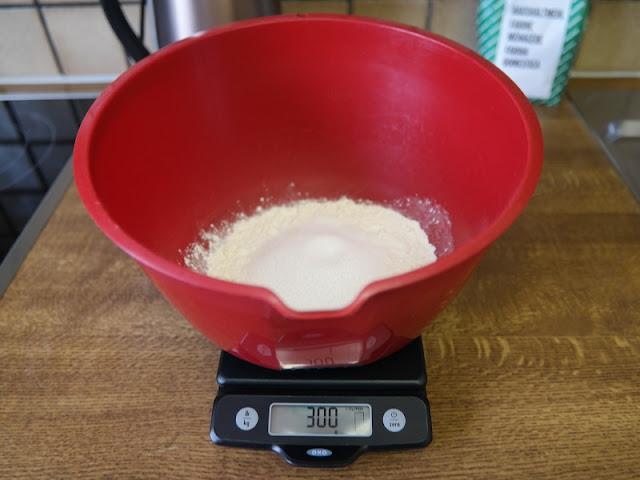 Knete basteln selbermachen diy anleitung Kinder ungiftig Lebensmittel Chemie