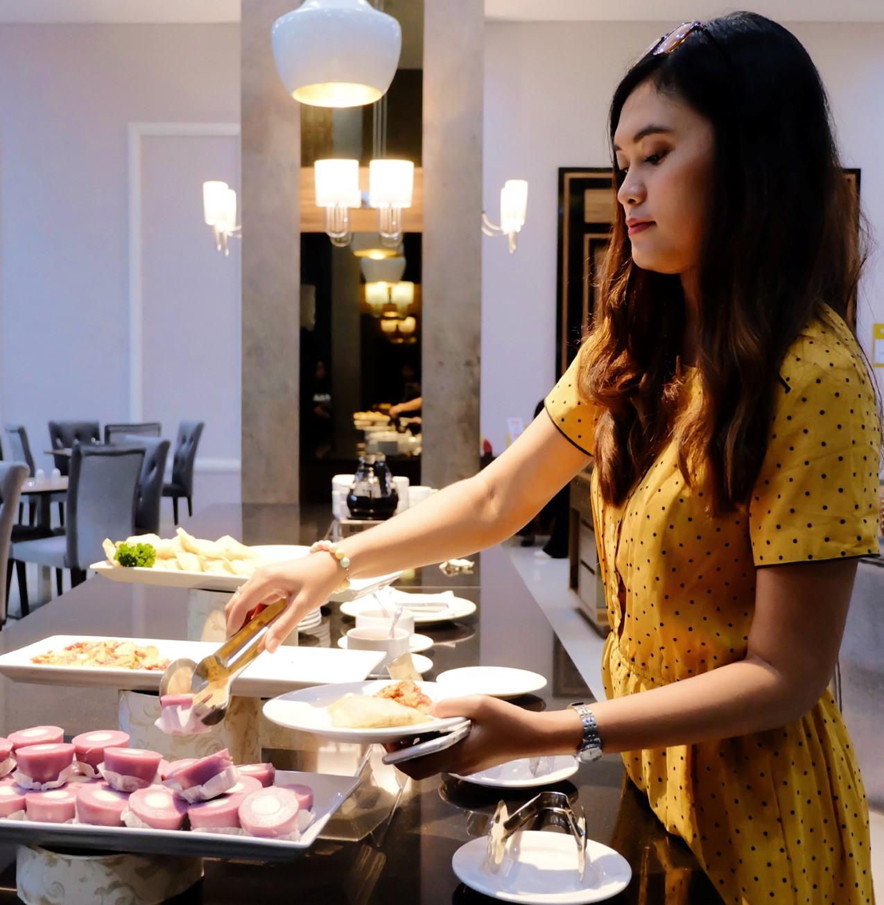 hotel-syariah-jogja-grand-seriti-madani-bintang4-berbintang-jalan-magelang-adreena-restaurant