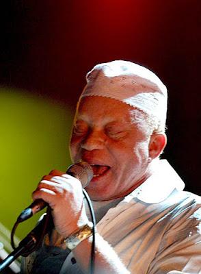 salif keita golden voice of africa mali djoliba mandinka music
