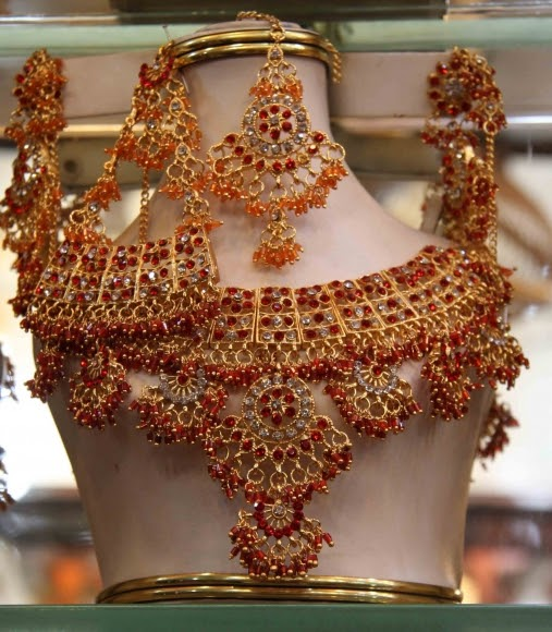 Pakistani Bridal Jewellery Set Picture - 2