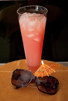 peach on malibu beach, malibu rum, coconut rum, peach schnapps, cranberry juice, orange juice, pineapple juice