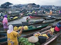 Wisata Adat dan Kebudayaan Pasar Terapung - Kalimantan Selatan