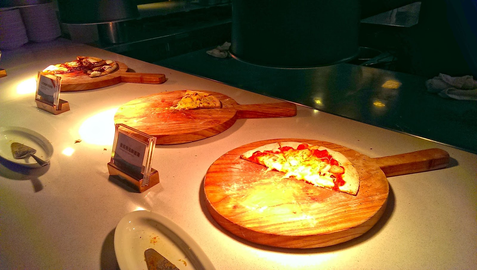 2015 07 01%2B20.05.07 - [食記] 台北京站 - 饗食天堂,有生魚片吃到飽的高級自助餐廳!