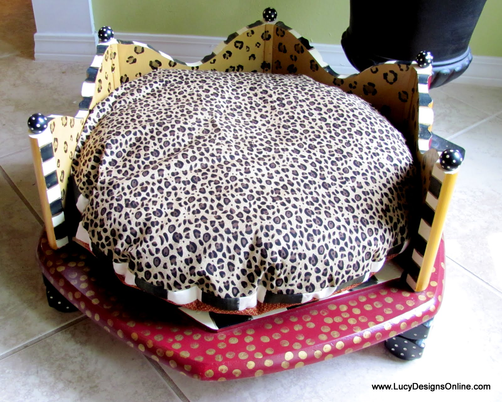 Hand Painted Round Dog Beds Made From An End Table In
