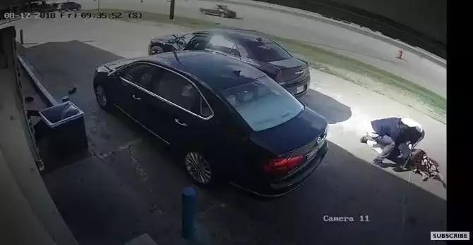 Μάχη με τους δράστες που αποπειράθηκαν να της κλέψουν 75.000 δολάρια (video)