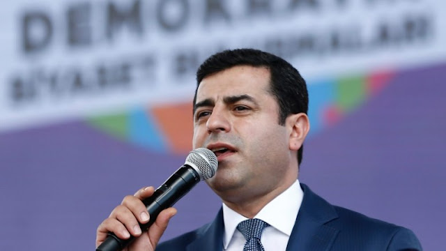 """Η επιτυχία του Κουρδικού Κόμματος στις εκλογές μπορεί να είναι η """"λαιμητόμος"""" του Ερντογάν"""