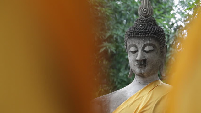 Wat Yai Chai Mongkol: Transportation to another era