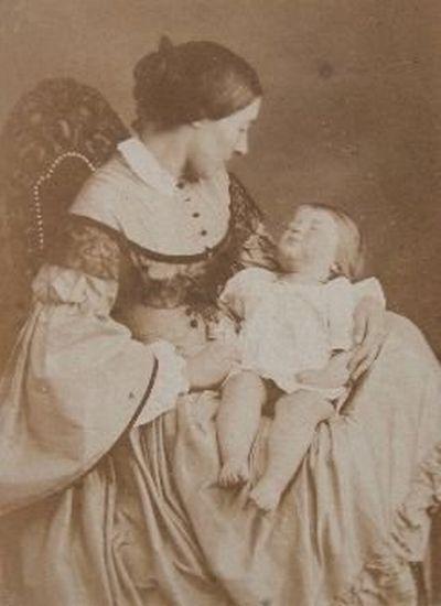 Stiff Pose Victorian Postmortem photography (140 Pics ...