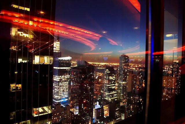 New Yorks skybarer med barn- utsikt