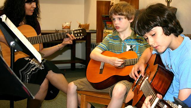 Panduan Belajar Gitar Klasik Bagi Pemula