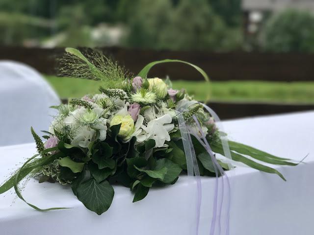Altar flowers, Wedding abroad, Mountain wedding lake-side at the Riessersee Hotel Resort Bavaria, Germany, Garmisch-Partenkirchen