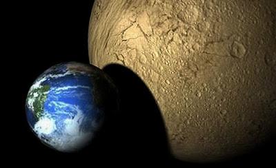 colisão de planeta gigante com a Terra