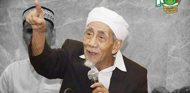 Sebarkan !  Pengumuman dari Sarang, Kiai Maimoen Zubair Dukung Pasangan Nomor Urut 01 (Jokowi-KiaiMa'ruf)
