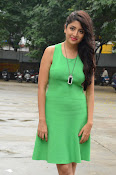 Poonam Kaur latest sizzling photos-thumbnail-20