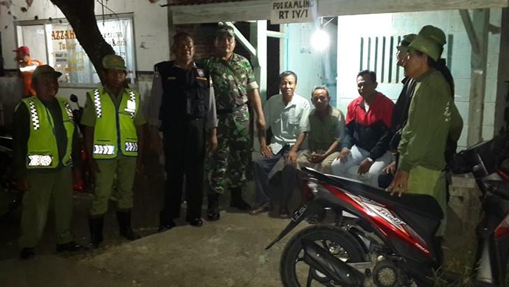 Tingkatkan Keamanan Wilayah, Babinsa Laksanakan Patroli Gabungan