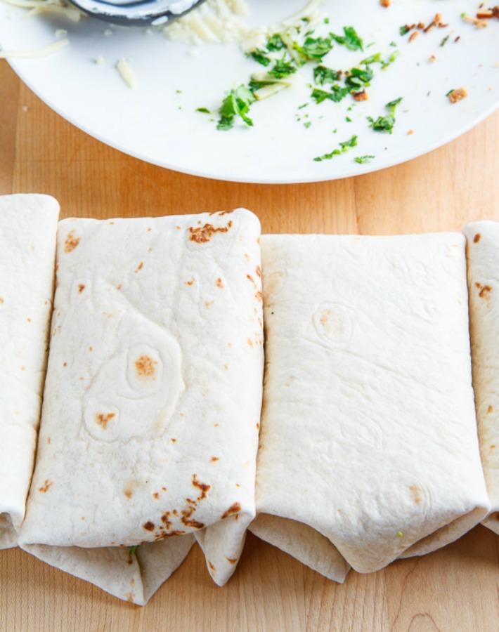 Burritos de pollo con aguacate