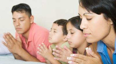 Oração em Família - Reze em sua casa com sua família.