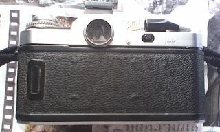 bagian belakang nikon fm3a silver