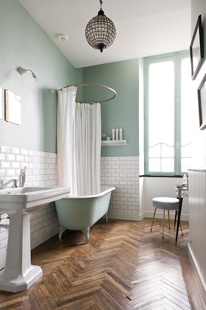 salle de bain déco carrelage métro vert menthe
