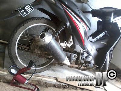 Pompa Injak Darurat untuk Ban Sepeda Motor