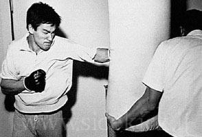 تمارين الملاكمة بروس لي