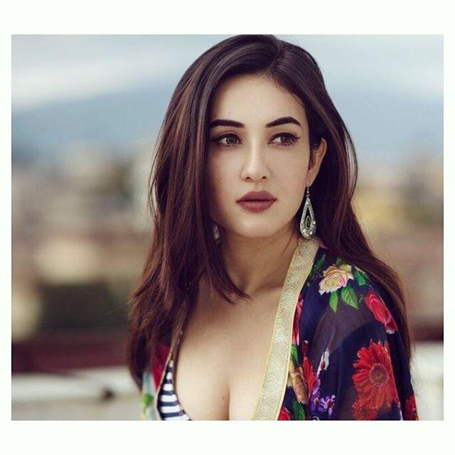 Hot And Sexy Nepali Model Actress Aditi Budhathoki