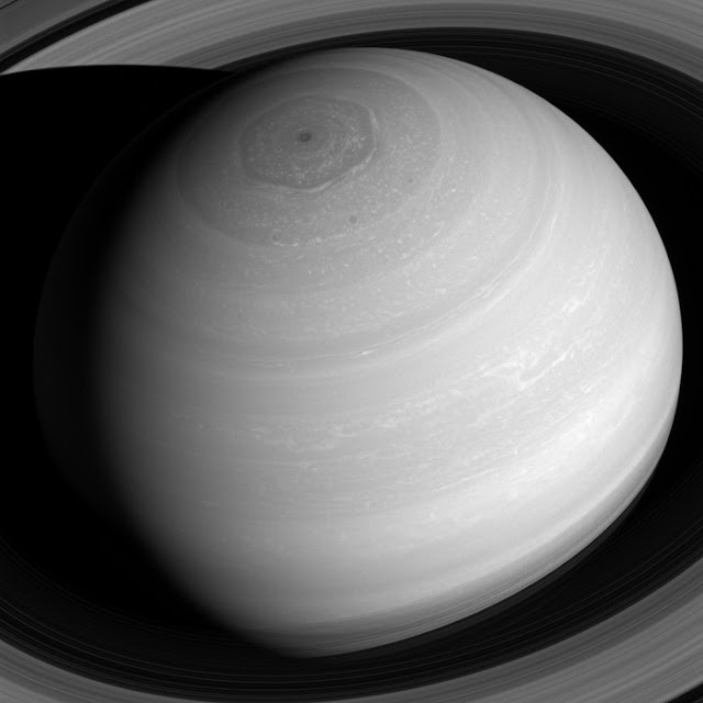 Планета Сатурн зблизька
