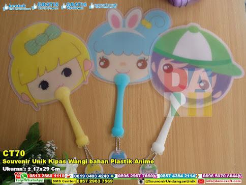 Souvenir Unik Kipas Wangi Bahan Plastik Anime