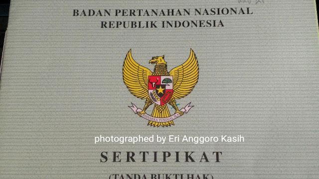 Ilustrasi sertipikat tanah.