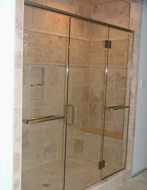 gambar pintu kaca transparan dengan 2 handle