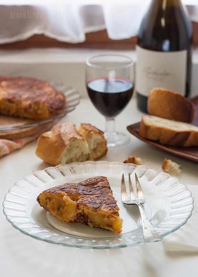 SIN SALIR DE MI COCINA: Tortilla de patata con pulpo al estilo ...