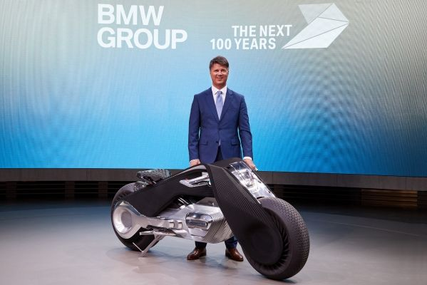 "BMW Group: ΤΑ ΕΠΟΜΕΝΑ 100 ΧΡΟΝΙΑ. ""Iconic Impulses. The BMW Group Future Experience"""