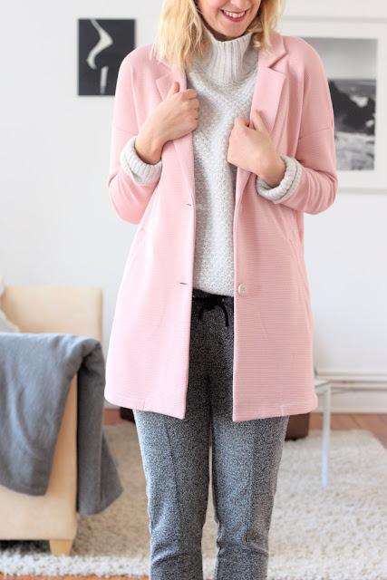 Kiel Blog: Grauer Rollkragenpulli und Karottenhose: Outfit