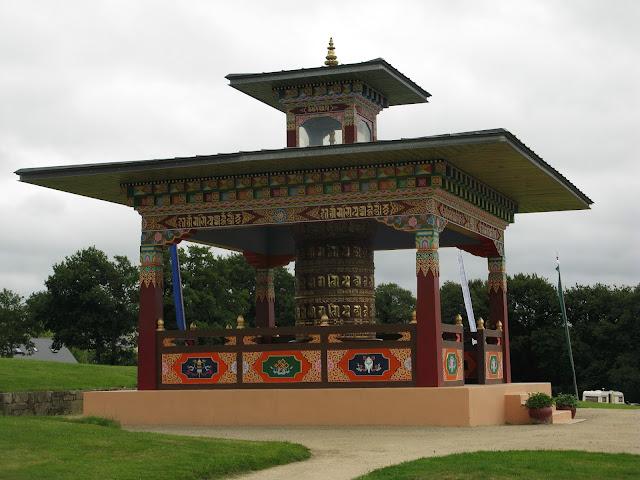 http://parentspontivy.blogspot.com/2016/06/decouvrir-les-temples-boudhistes-cest.html
