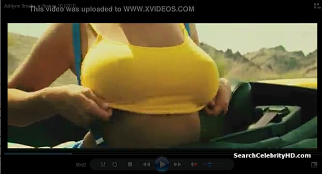 PT: Ashlynn Brooke, líder de torcida em um carro, cena do filme Piranha 3D, 2010, cena censurada / apagada. EN: Ashlynn Brooke, cheerleader in a car, scene in the movie Piranha 3D, 2010, censored / deleted scene. ES: Ashlynn Brooke, animadora en un coche, escena de la película Piraña 3D, 2010, escena censurada / borrada. IT: Ashlynn Brooke, ragazza pon pon in una macchina, scena del film Piranha 3D, 2010, scena censurata / eliminata. FR: Ashlynn Brooke, pom-pom girl dans une voiture, scène de le film Piranha 3D, 2010, scène censuré / supprimé.