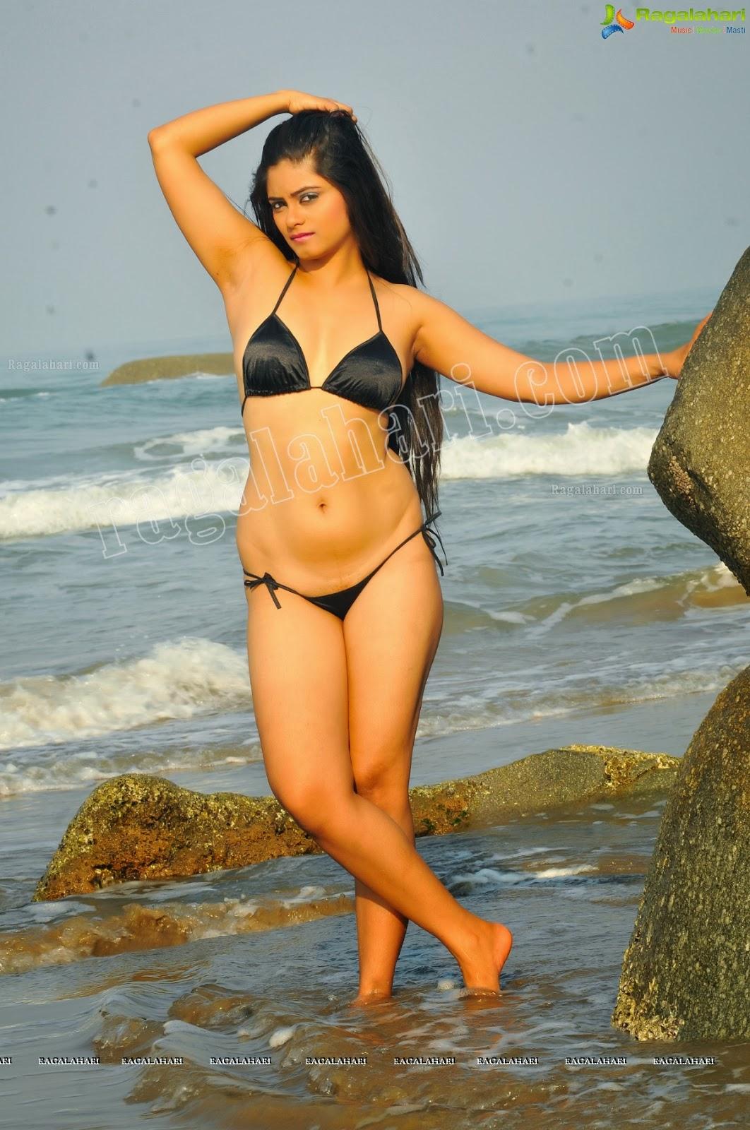Tanisha singh navel - 1 part 6