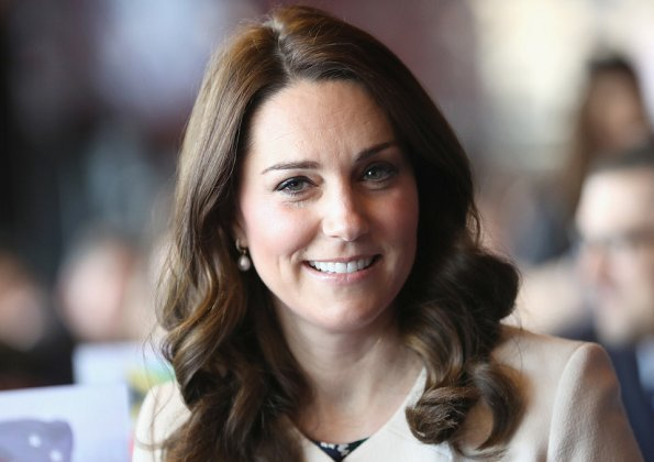 Kate Middleton wore Hobbs London Rosie top and she wore Goat Redgrave Coat