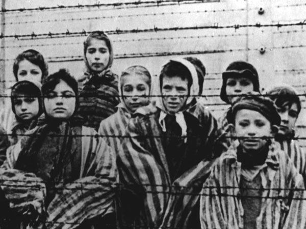 kamp konsentrasi tempat membunuh para tahanan yahudi oleh nazi jerman
