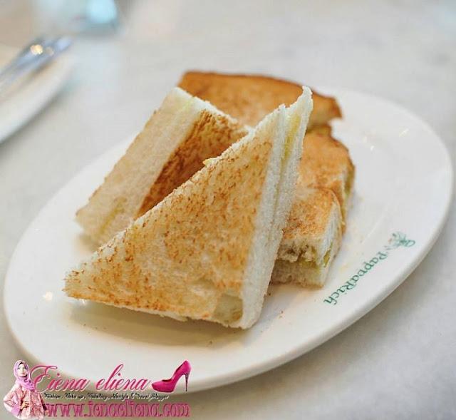 Roti Bakar di Paparich