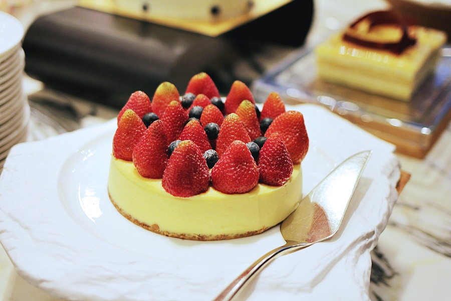 cheesecake kuchen vegan food desser buffet