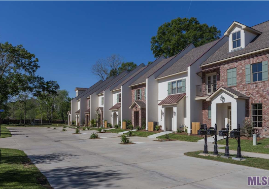 Homes For Sale in Myrtle Grove Townhomes in Baton Rouge