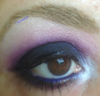 eye_makeup_look_sparkly_berry_smoky